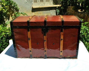Large Trunk Chest,  Antique Trunk, Storage Trunk, Wooden Chest, Treasure Chest, Pirate Chest, Storage Chest, Blanket Chest, Antique Trunk