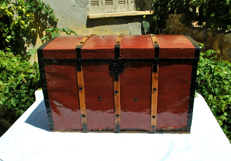 large trunk chest antique trunk storage trunk wooden. Black Bedroom Furniture Sets. Home Design Ideas