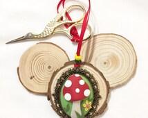 Large toadstool scissor fob, antique bronze frame scissor minder, woodland mushroom polymer clay scissor keeper, crafty gift