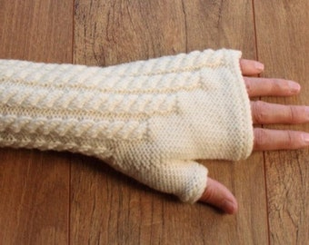 Merino Wool Fingerless Gloves - Mittens - Cable Pattern - Cream