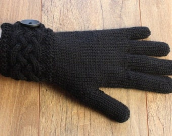 Merino Wool Gloves with Celtic Cable cuff - Black