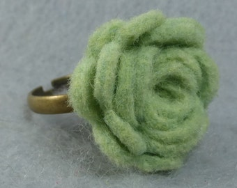 Green Flower Ring - Green Rose Ring -Felt Flower - Felt Ring - Adjustable Ring -Artificial Flower -Fake Flower -Flower Jewelry -Felt Jewelry