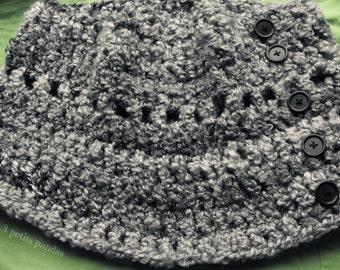 Grey cowl