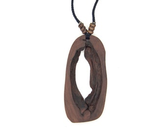 Wooden pendant. Reclaimed wood. Eco-friendly. Wood knot. Hippie Boho. Wood necklace. Unique necklace. Yellow birch wood.
