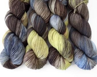 Sock Yarn Superwash Merino/Nylon 4ply Handdyed Yarn: WHEAT GRASS