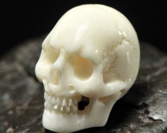SKULL BEAD Fine White BUFFALO Bone Bali Carving 16 mm drill hole 1mm hand-carved