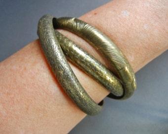 Vintage brass interlocking bangles, vintage brass bangle set, brass interlocking bangles, interlocking bangles, brass bangle set,