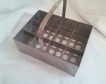 Tray carrier metal bottle carrier