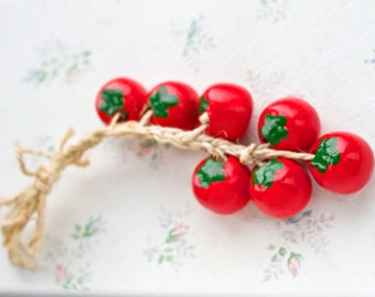 Little Tomatoes - Wall Hanging Tomato cluster - Ceramic Kitchen Decor