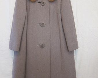1950s Fawn-Colored 3/4 Sleeve Steiger's Wool Coat with Fur Collar