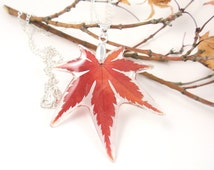 Maple Leaf Pendant , Real Flower Necklace, Pressed Flowers Jewelry, Flower resin jewelry, Botanical Real Plant Jewelry, Maple tree leaf