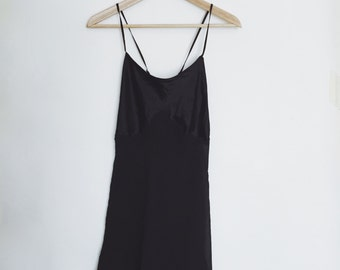 Vintage Victoria Secret 100% Silk Black Slip Size Small