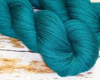 Hand Dyed Yarn KM Worsted Superwash Merino Wool Yarn in Teal Blue Green