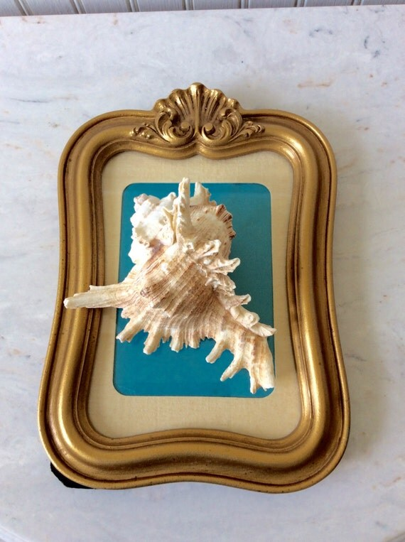 vintage gold ornate 5 x 7 picture frame shell by yellowhousedecor. Black Bedroom Furniture Sets. Home Design Ideas
