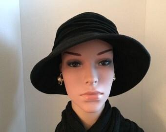 Versatile Black Vintage Hat