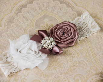 Ivory Wedding Garter, Ivory Keepsake Bridal Garter, Ivory Lace Bridal Garter, Ivory Garter - Ivory Lace, White and Dusty Mauve Flower Garter