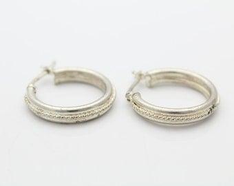 Vintage Sterling Silver Hoop Earrings w Twisted Rope Piping. [5401]