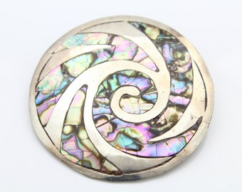 Classic Sterling Silver Vintage Mexican Abalone Tribal Swirl Medallion Pendant. [5764]