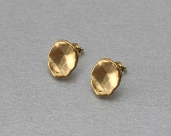Lotus Post Earring . Matte Gold Plated . 10 Pieces / C3142G-010