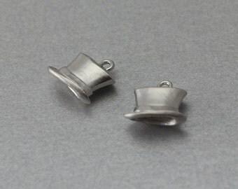 Hat Pewter Pendant . Matte Original Rhodium Plated . 10 Pieces / C1225S-010