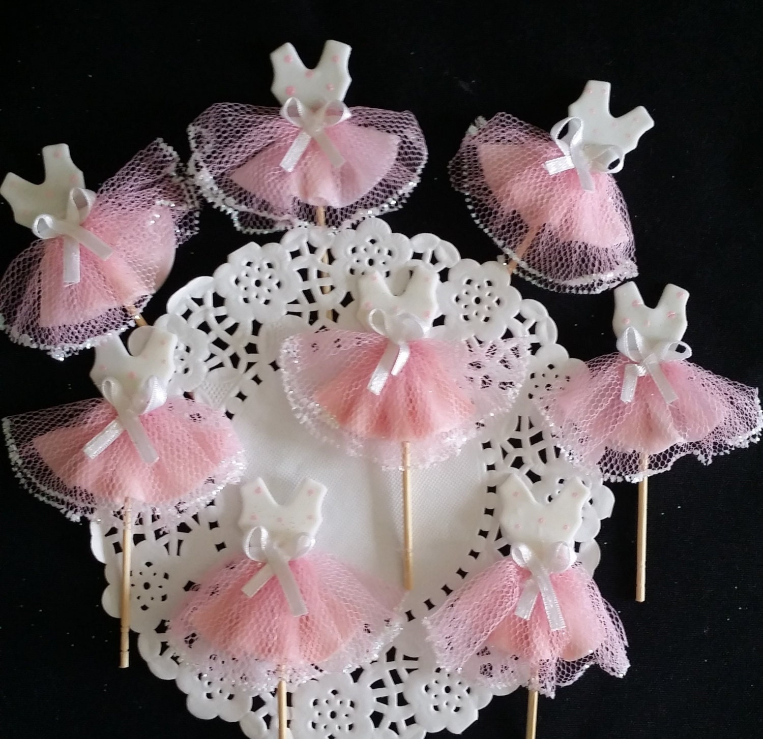 Ballerina tutu cupcake baby ballerina tutu party cupcake for Baby girl birthday decoration pictures