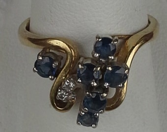 Estate vintage sapphires and diamonds 14K yellow gold ring