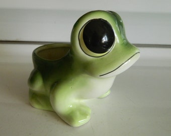 Frog planter by Relpo / big eyed frog planter