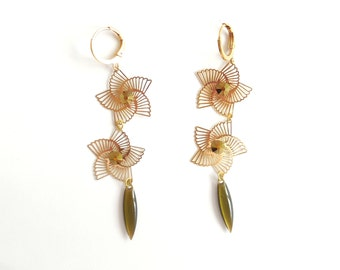 Earrings with svarowski and gold cabochon