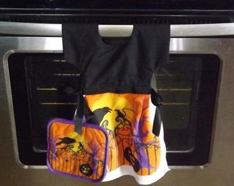 Halloween Dish Towel Dress with Hot Pan Holders