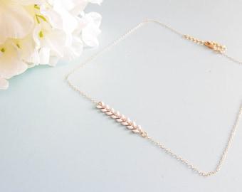 "Short necklace adjustable size ""Florine"" gold plated / white"