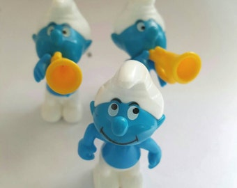 Keychain SMURF vintage upcycled toy, lanyard, backpack buddy, diaper bag buddy, zipper pull