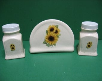 Sunflower napkin holder with salt and pepper shaker....awesome....