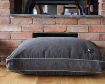 Hunt & Wilson luxury dog bed medium