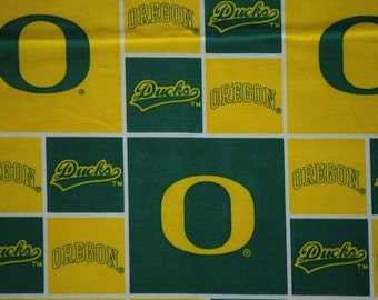 "Oregon Ducks Football Checkered Sheeting Fabric Cotton 4 Oz 44-45"""