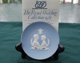 Vintage 1981 Wedgwood Royal Wedding Dish with Box and Papers