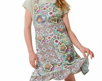 Kids Vibrant Apron ~ Kids Cooking Apron ~ Kids Ruffle Apron ~ Amy Butler Fabric ~ Kids Floral Apron ~ Kids Full Apron ~ Kids Craft Apron