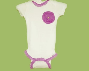 3-9 mon Baby girl onesie decorated with purple flower applique and purple lace trim