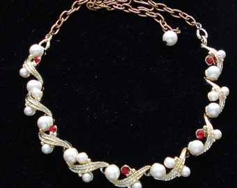 S A L E!!! FAUX PEARL RHINESTONE Necklace Leaves White Red Gold Tone