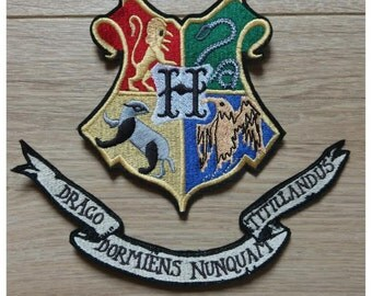 Large escutcheon of Hogwarts in the Harry Potter collection