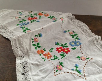 Antique embroidered table runner Floral table runner with lace trim Shabby table runner Cottage chic table runner