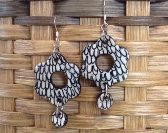 Flower black and white drop earrings