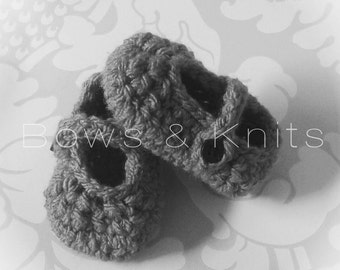 Baby Mary Jane Crochet Shoes. Baby Mary Janes. Baby Shoes. Crochet booties. Baby Booties. Crochet Shoes. 0-3 Months. Made To Order.