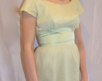 ON SALE!!! Pistachio 1950's Bombshell Dress
