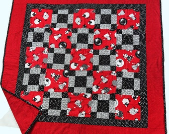Red Sheep baby quilt
