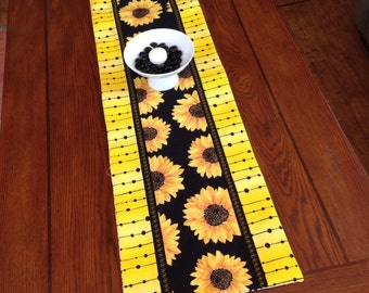 Sunflower Table Runner, Sunflowers, Floral, Yellow Border, Gift Idea, Housewarming, Wedding Gift