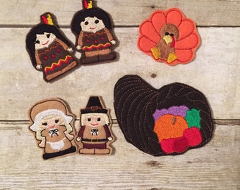 Set of 5 Thanksgiving Finger Puppets with Cornucopia Case