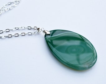 Green Pendant, green agate pendant, Gemstone Pendant, Silver plated chain, green necklace, green pendant