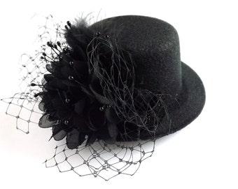 Black mini top hat, black hair accessory, black gift for her, spring finds, black hair piece, black elegant hat, black hair jewelry, black