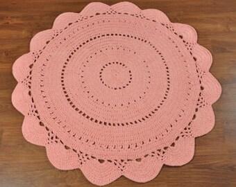Hardwearing Crochet Floor Rug in Peach - 120cm