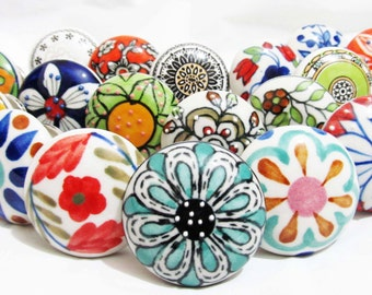6 x Assorted  Vintage Look Ceramic Knobs Handles Cabinet Cupboard Drawer Pull Knob Shabby Chic